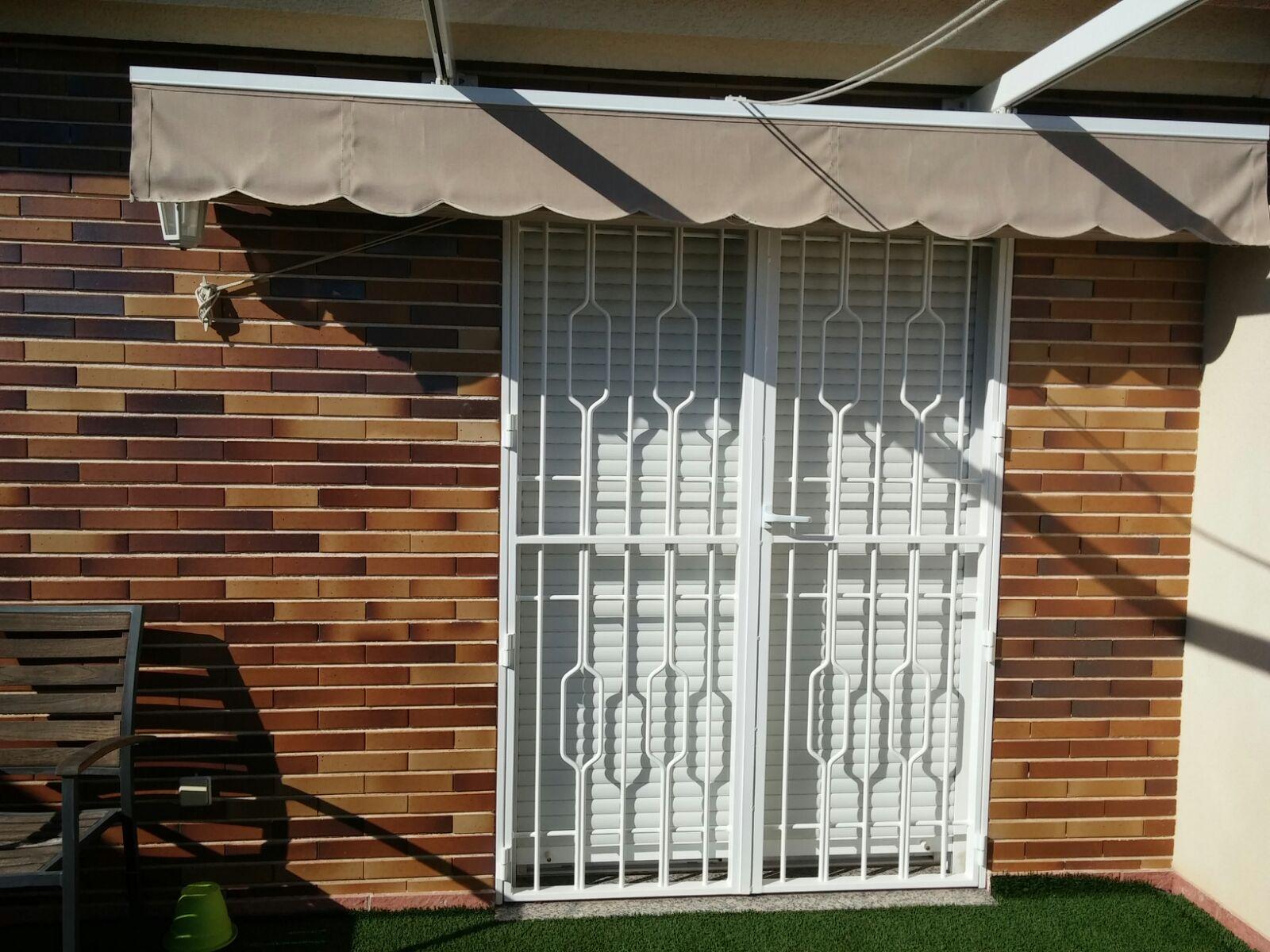 puertas de rejas de hierro precios
